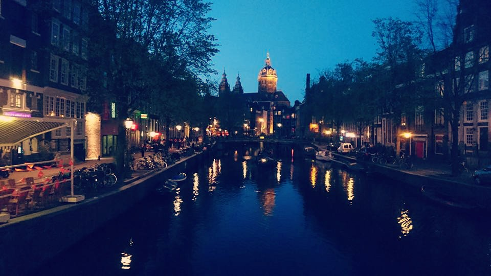 Amsterdam at night what not to do