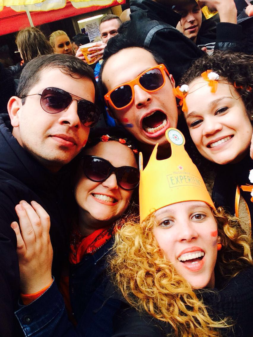 Kings Day in Amsterdam, Wear orange