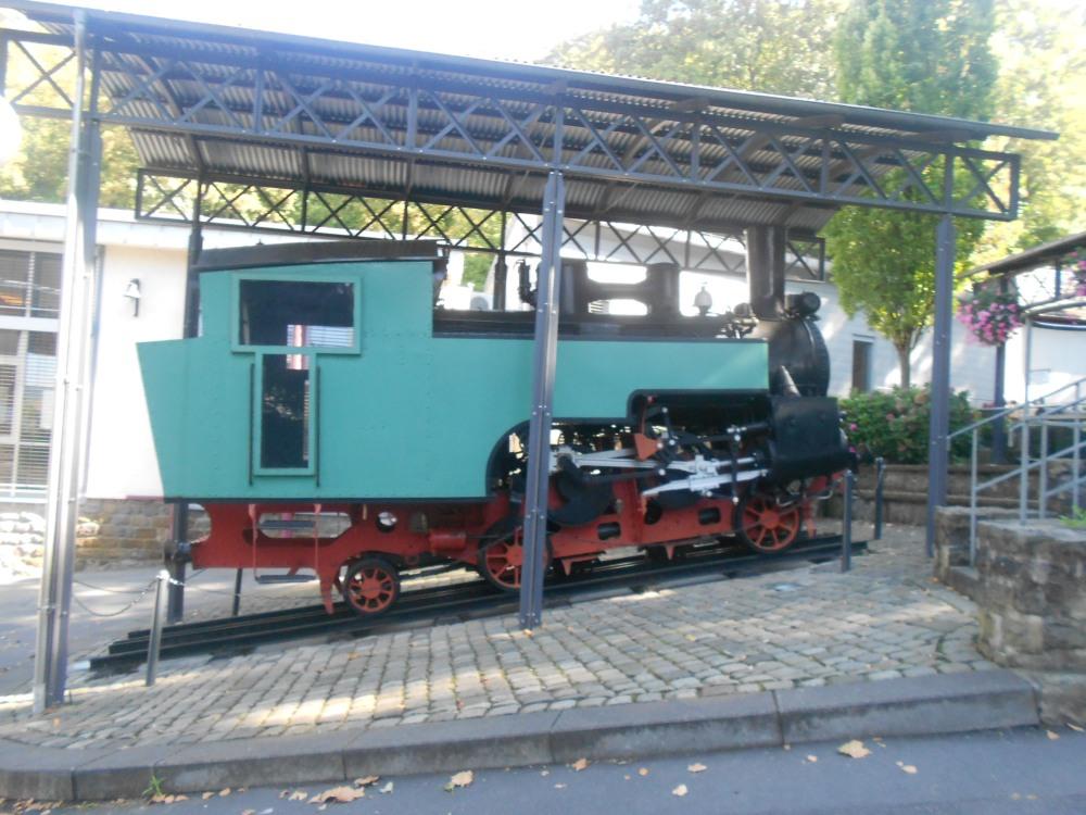 Tram to Drachenburg castle