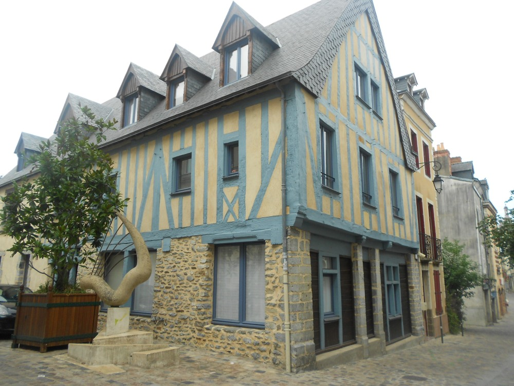 Villages House in Laval